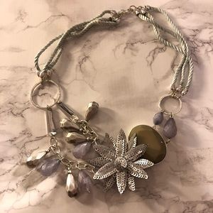 // anthropologie rope & sequin floral necklace //